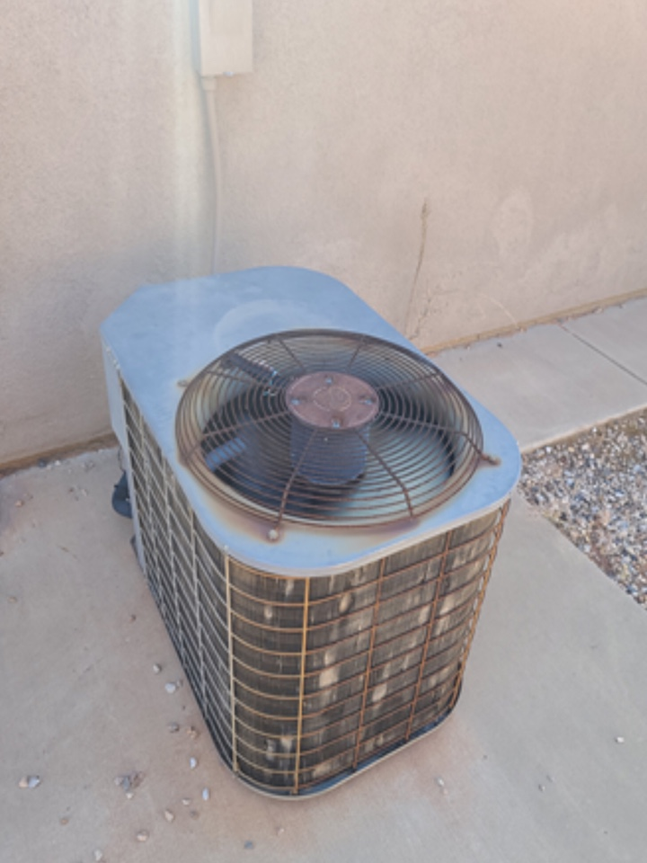 Santa Clara, UT - Carrier air conditioning not cooling. Diagnosed bad blower motor.