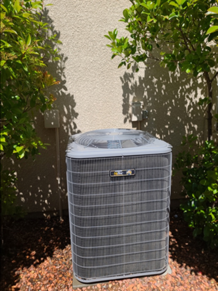 Hurricane, UT - Maintenance on high efficiency Carrier air conditioning.