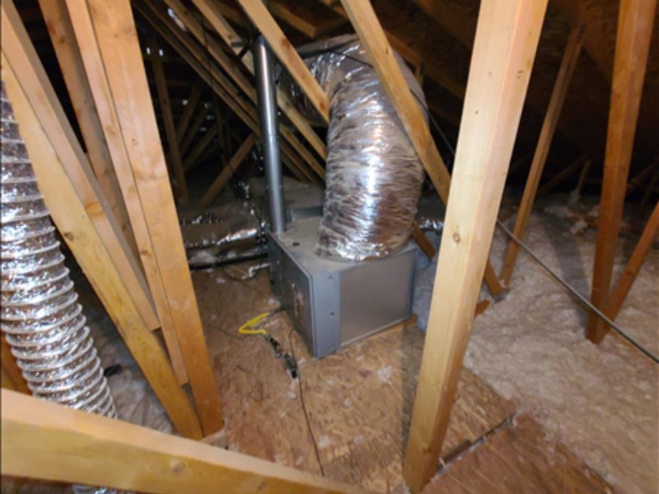 Washington, UT - Tempstar dual fuel heat pump not working properly. Not blowing air. Diagnosed bad blower motor.