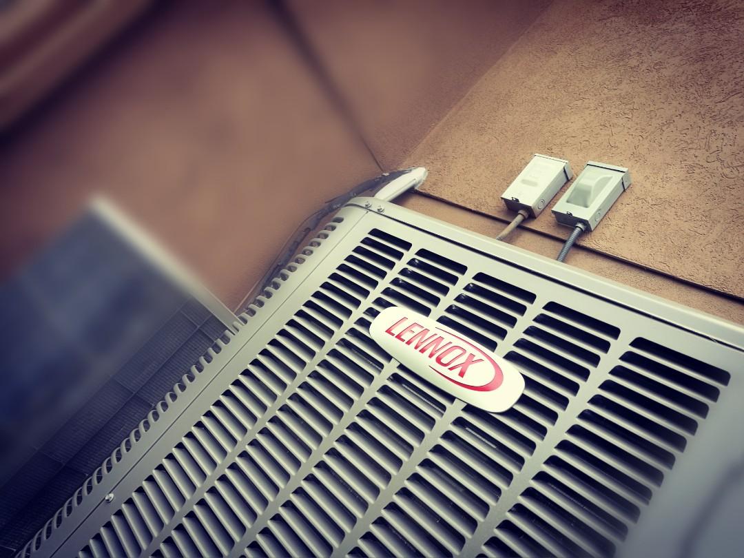 Draper, UT - Install 16 SEER  Lennox Air-conditioner.