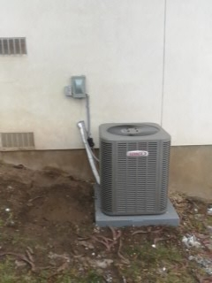 Cottonwood Heights, UT - Install new Lennox 13 SEER Air-conditioner.