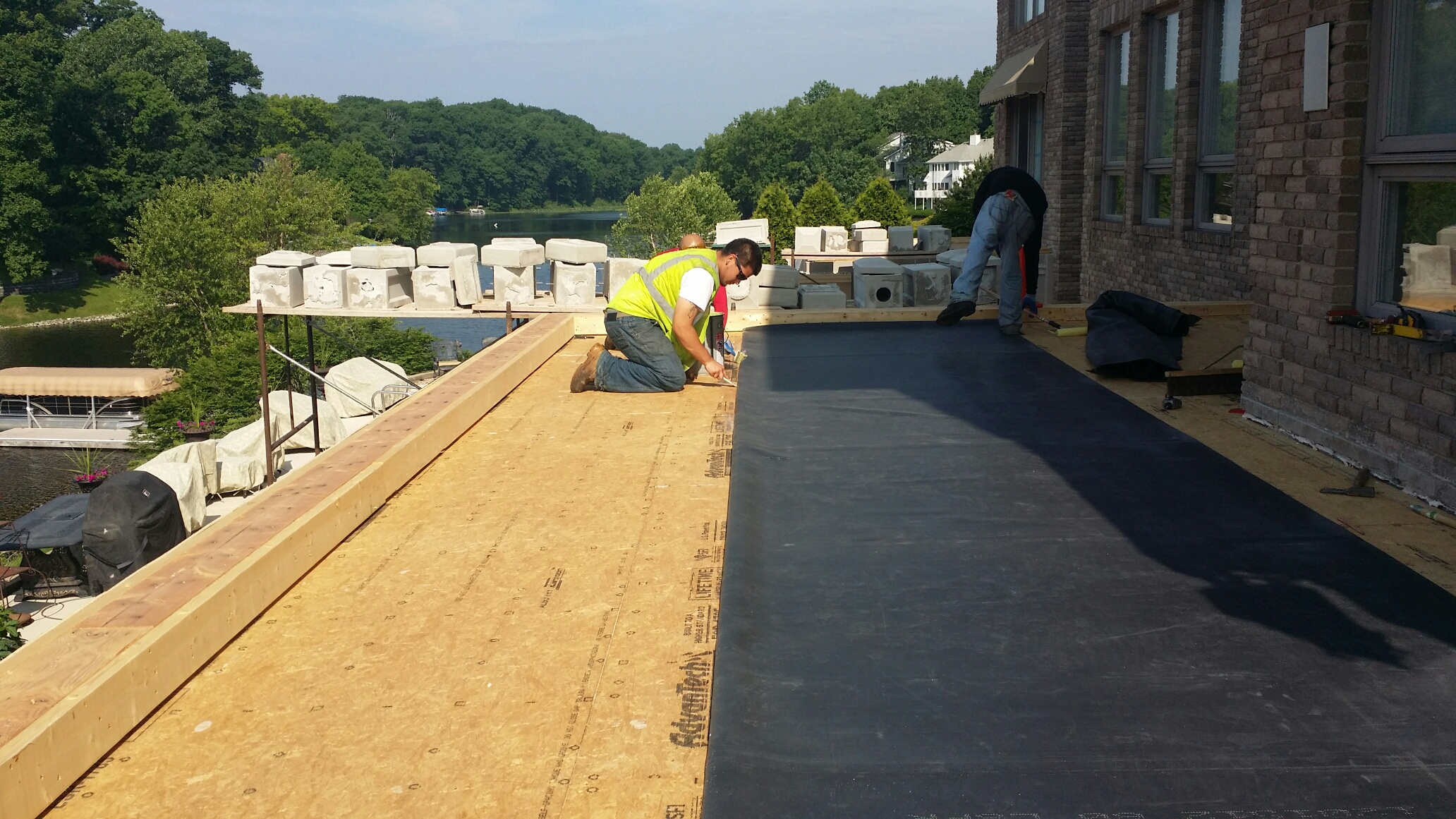 Valparaiso, IN - Installing a new fully adhered EPDM roof membrane