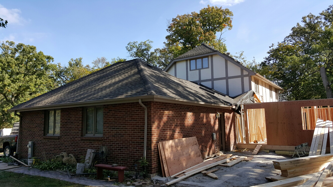 Frankfort, IL - Getting ready to install a new CertainTeed roof on a house and addition
