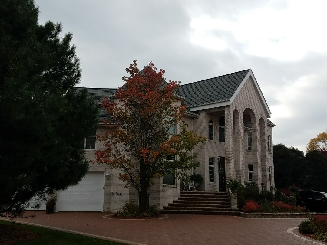 Munster, IN - CertainTeed Grand Manor Luxury shingles