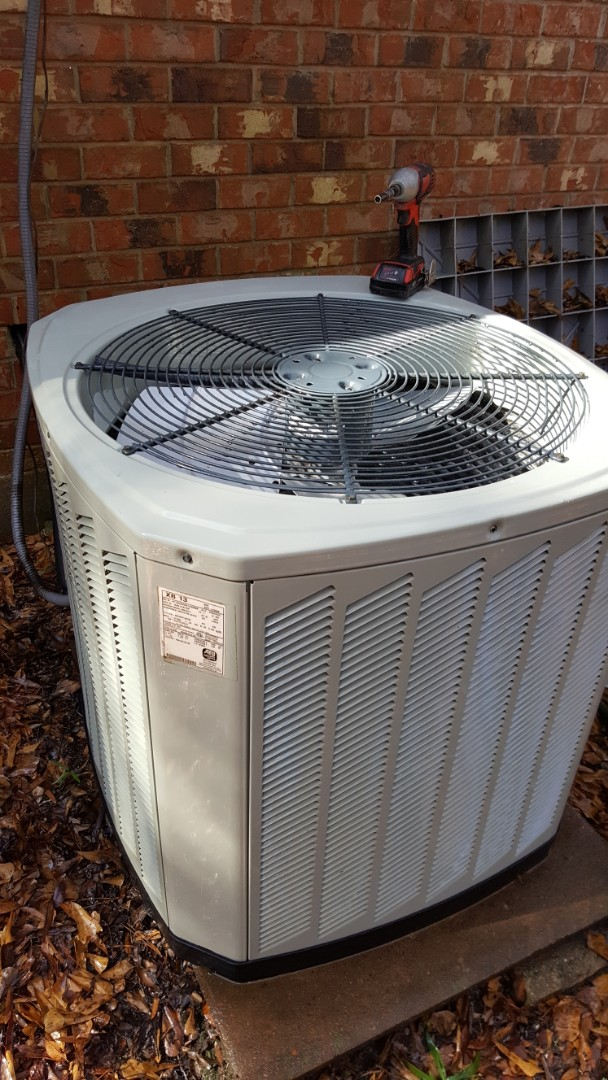 Denham Springs, LA - Finishing a precision tuneup on a trane air handler and condenser in a single family home in baton rouge la
