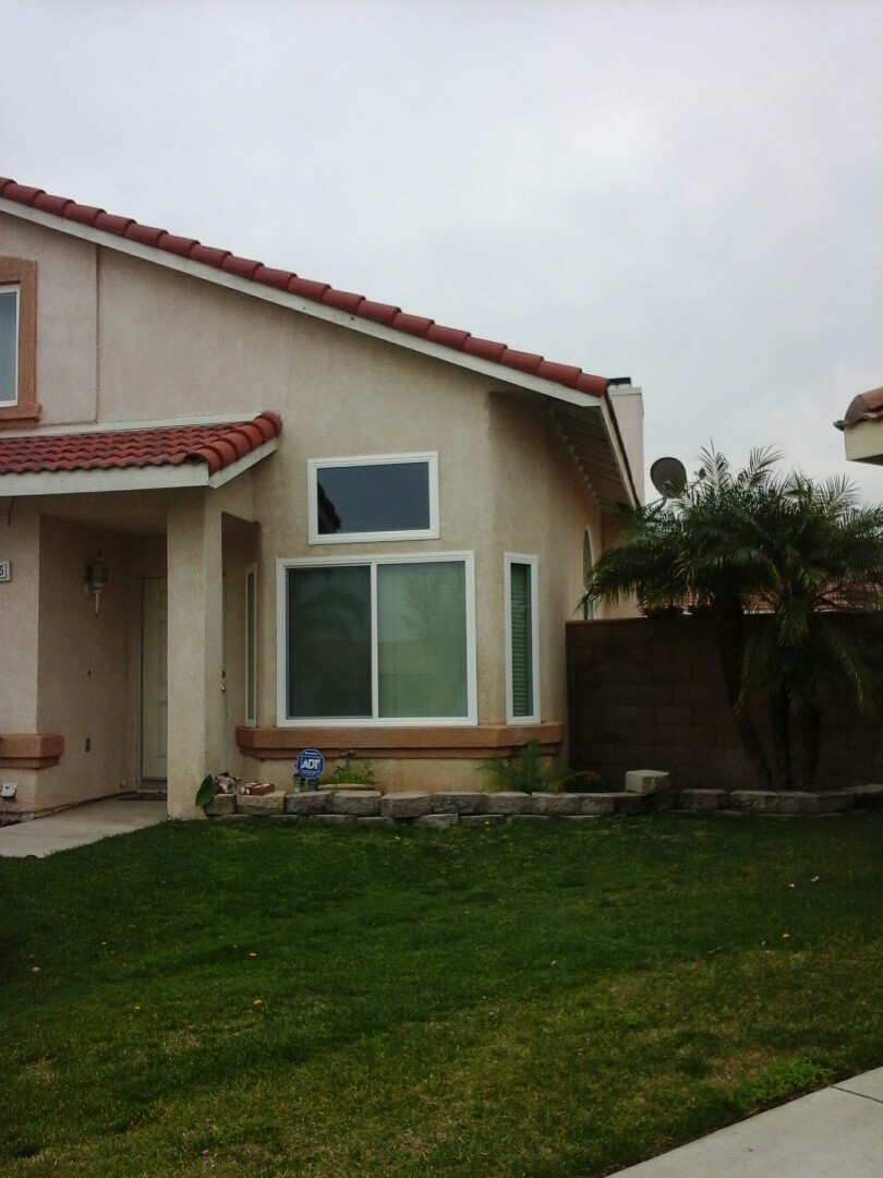 Fontana, CA - Installed new Simonton windows in this 2 Story homoe