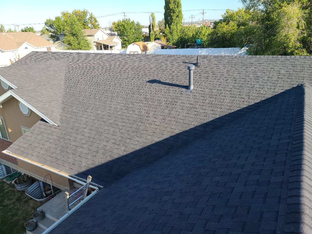Layton, UT - Completed. Full tear off, replace bad plywood, 2 rows of ice and water shield, synthetic felt, lifetime Certainteed Landmark shingles and ridge.