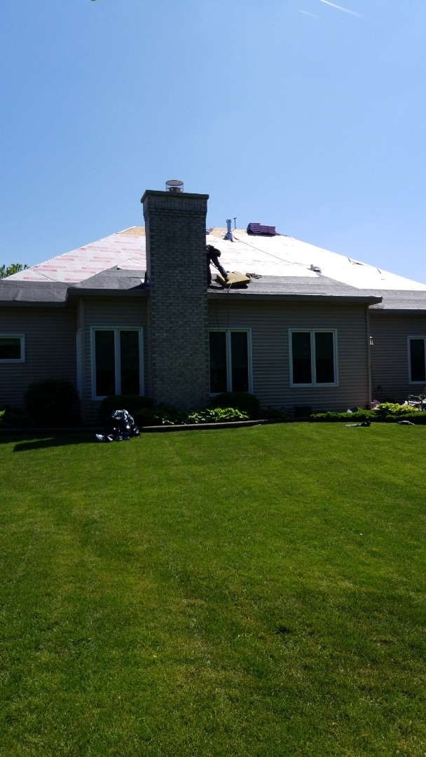 Roselle, IL - Owen's Corning , shingle re roof, gutter replacement.