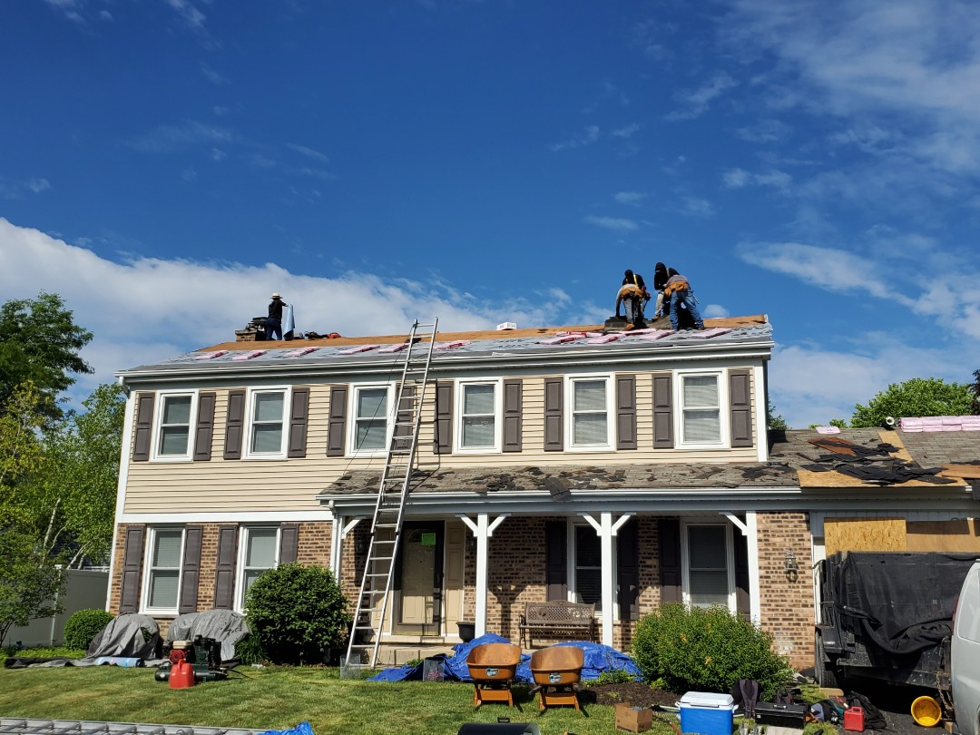 Rolling Meadows, IL - Roof replacement installing new owens corning oakridge color teak