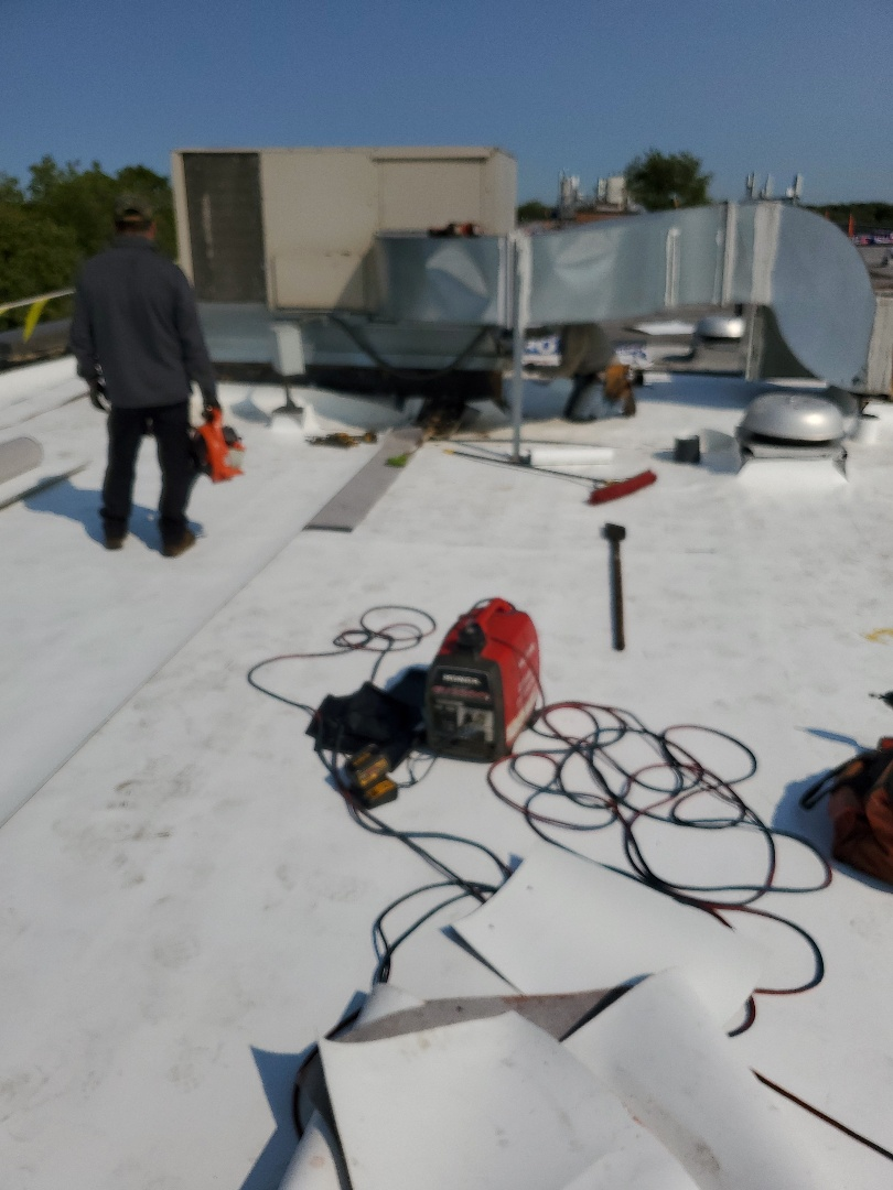 Hoffman Estates, IL - Imstalling a new GAF TPO Roof System