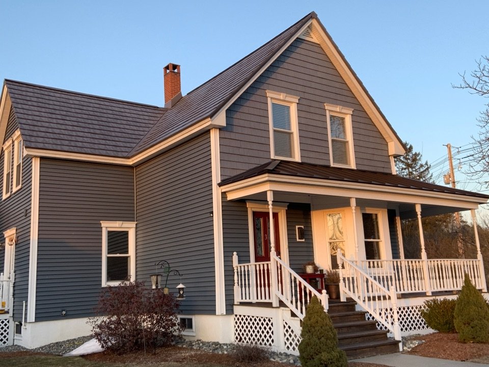 Templeton, MA - Standing seam and Oxford Slate aluminum metal roof.