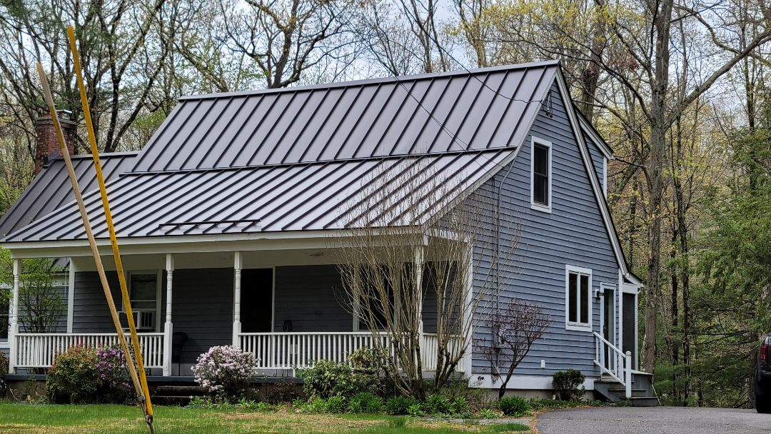 Northampton, MA - Standing Seam Metal Roof on a contemporary house.