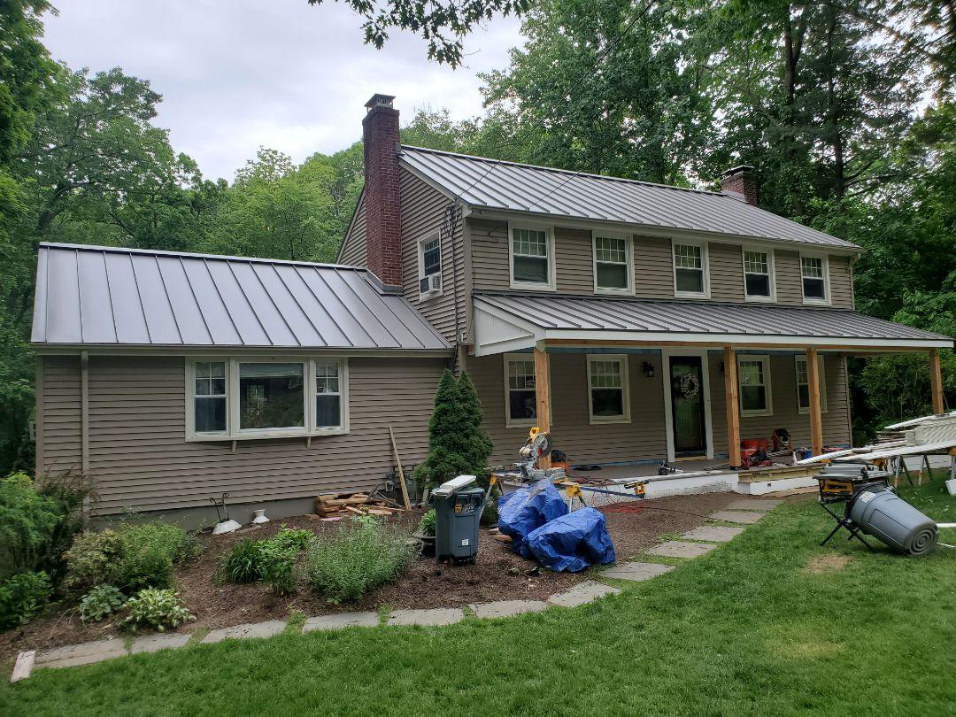 Simsbury, CT - Aluminium metal standing seam roof