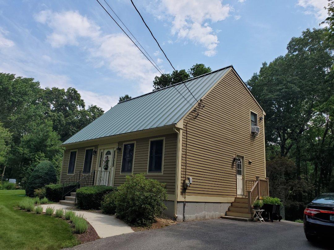Burrillville, RI - Aluminum metal standing sea roof
