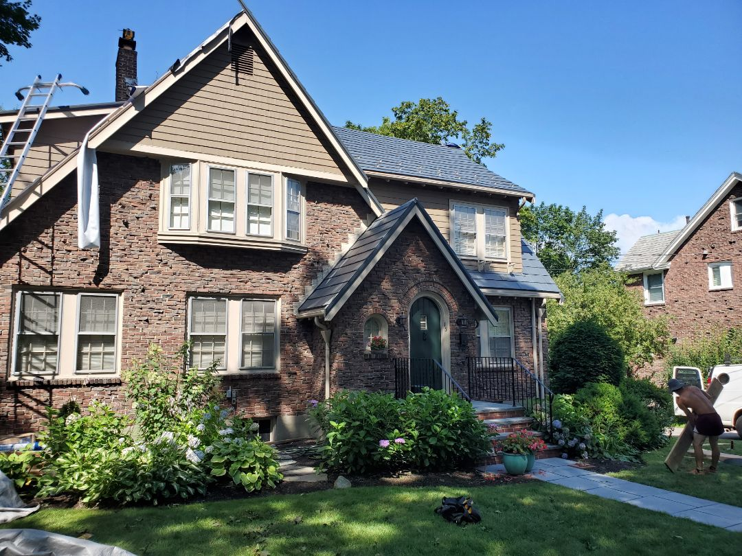 Newton, MA - Just getting started with aluminum. Metal shingles