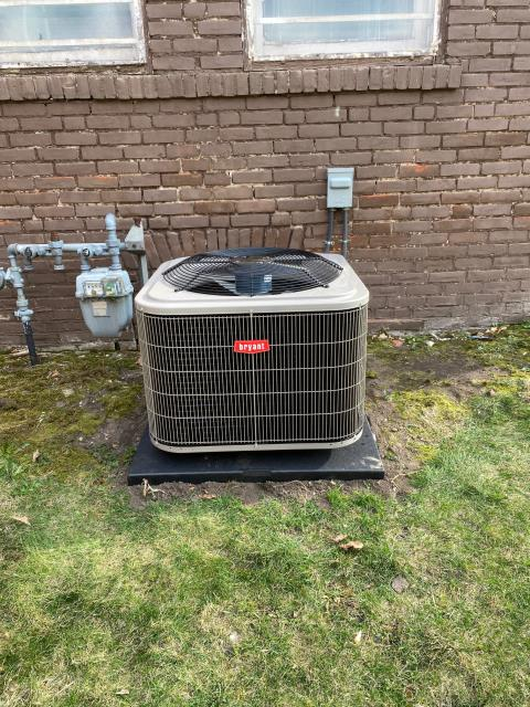 Wyanet, IL - Install Bryant Furnace and AC