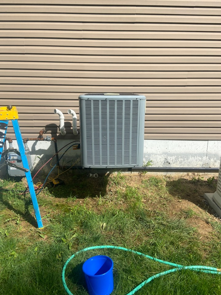 Spring Valley, IL - Daikin AC clean and check