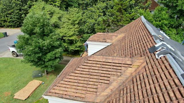 Little Rock, AR - Replaced a wood shake shingle roof with GAF Timberline HDZ Charcoal Color