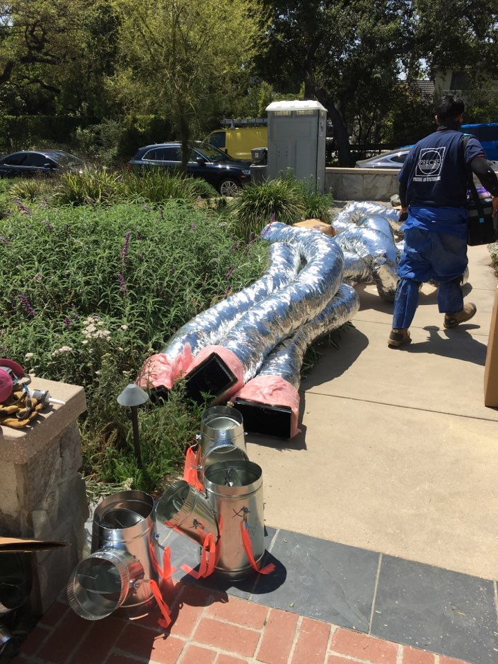 Altadena, CA - Prepping all the new ductwork today.  📐🛠