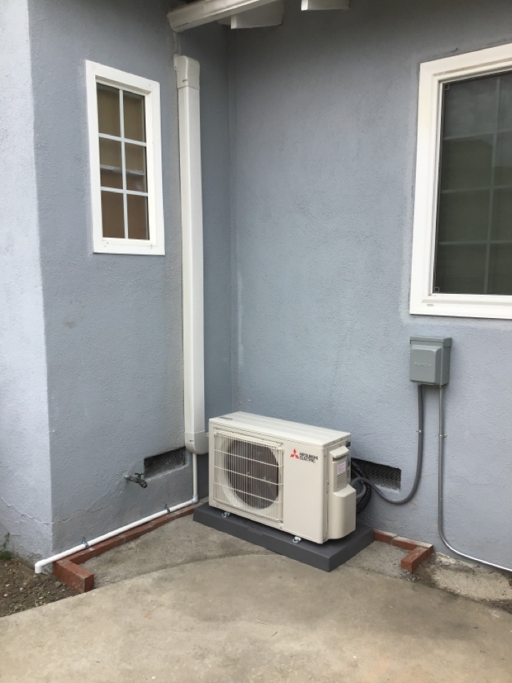 Burbank, CA - All done with this Mitsubishi ductless here in Burbank