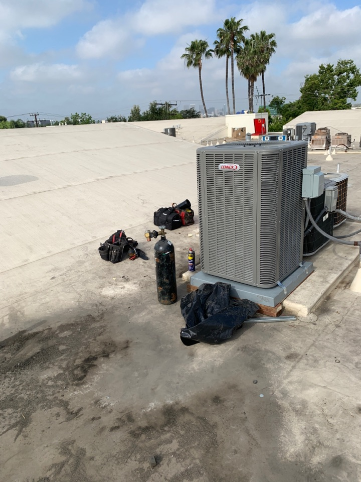 West Hollywood, CA - Starting a new Heat pump system at West Hollywood