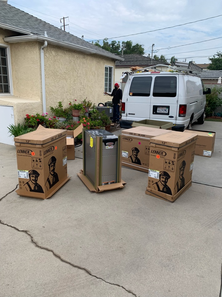 Burbank, CA - Two split systems being installed here in Burbank