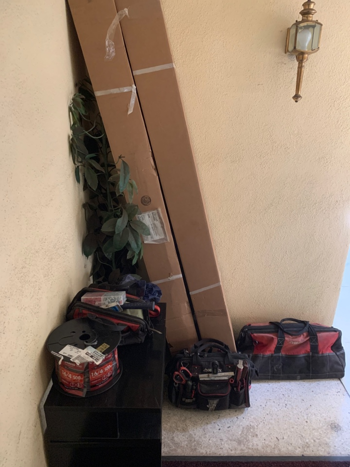 Los Angeles, CA - Doing a high efficiency Mitsubishi mini split system with 3 heads