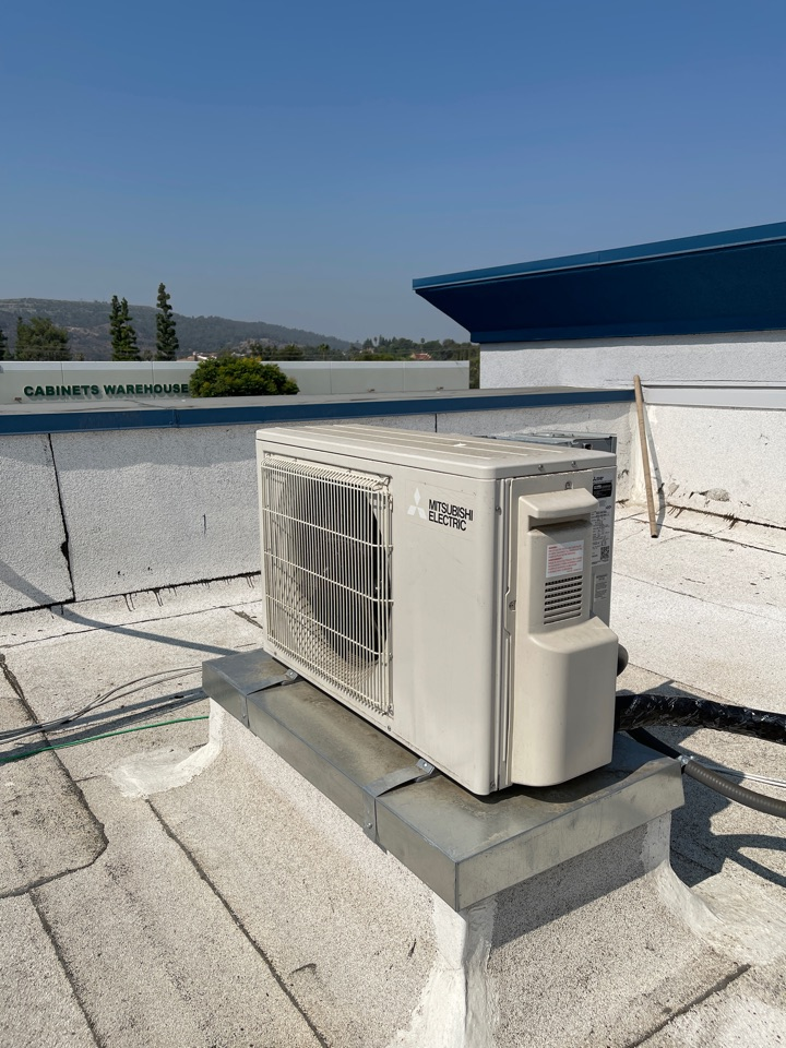 La Puente, CA - Just installed this ductless mini split for a server room here in the beautiful city of La Puente