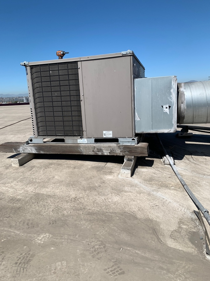 Commerce, CA - Light Commercial Service Call