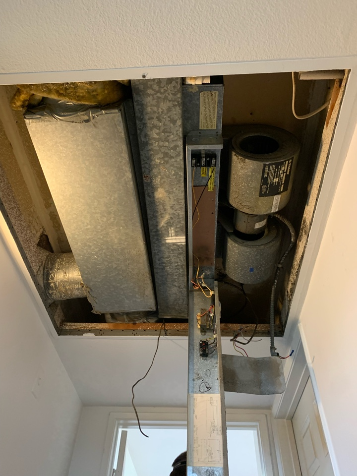 Los Angeles, CA - Pancake fan coil and heat pump condenser change out here in West LA