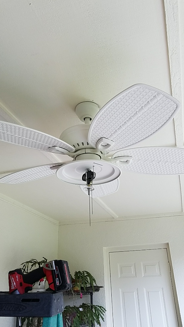 Valrico, FL - Install new ceiling fan. Looks great!
