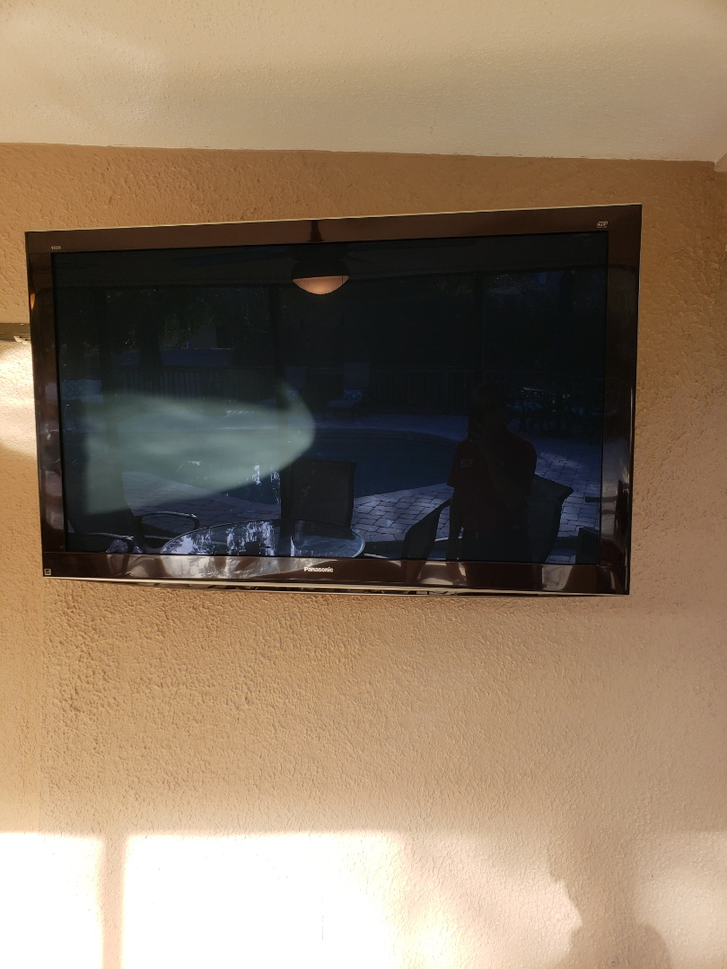 Clearwater, FL - Installation  of ceiling  fans as well as Tv mount