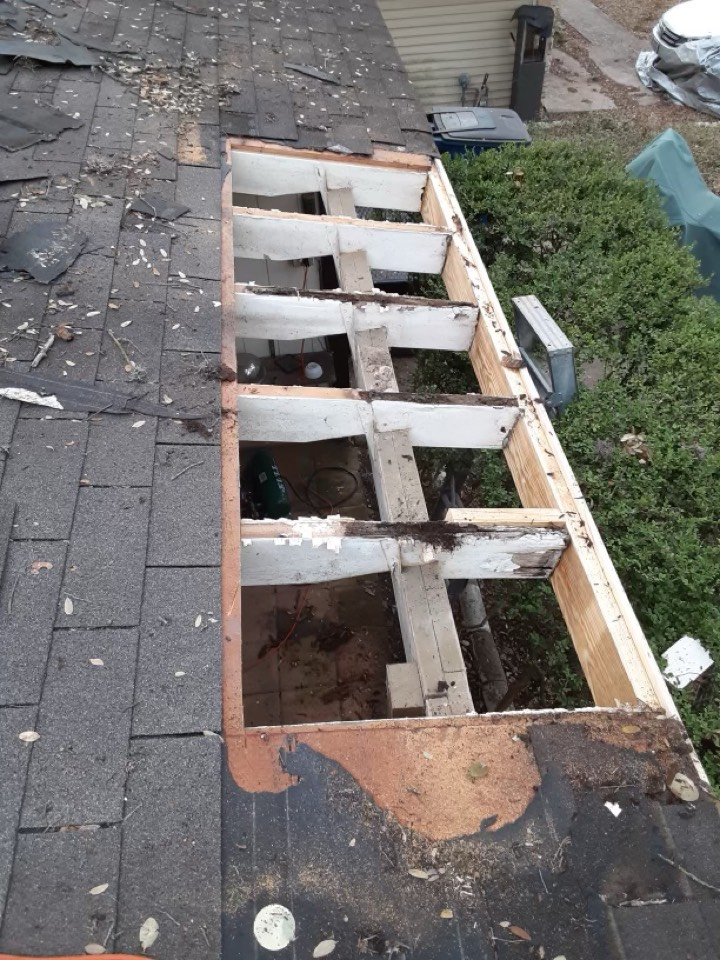 Tyler, TX - Do you have roof damage? We are here to help you determine if you have roof damage from wind, hail, rot or wear and tear! We do free roof inspections and walk you through your insurance claim as well!