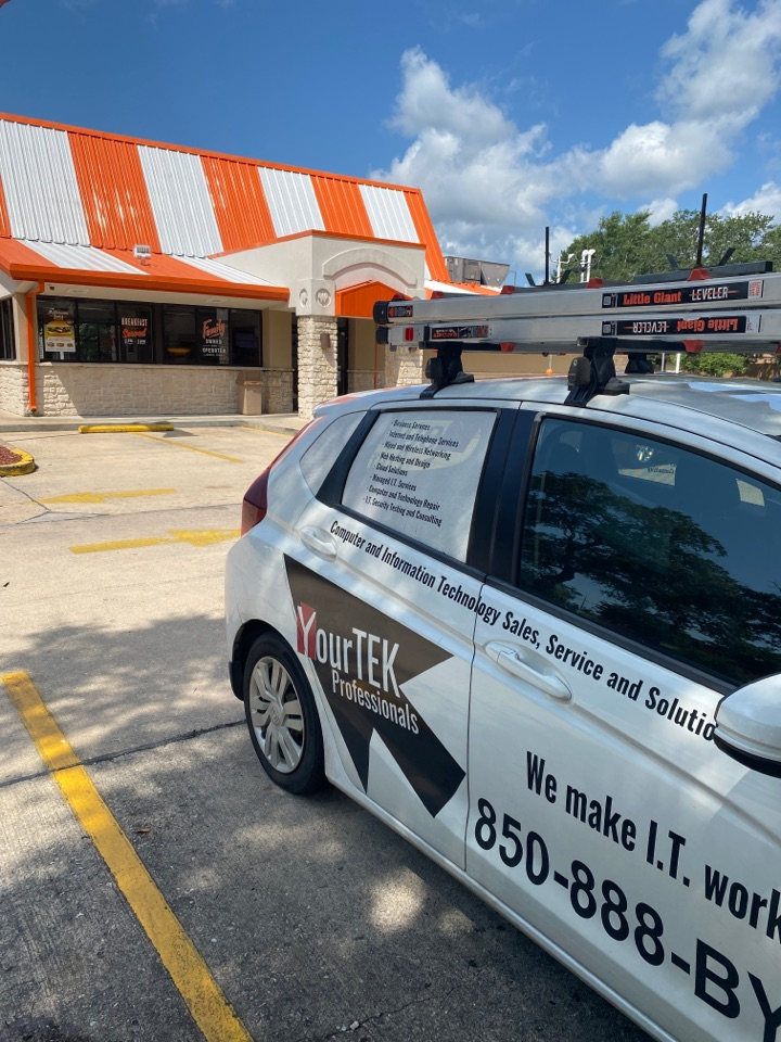 Checking on an offline register at this Whataburger in Fort Walton