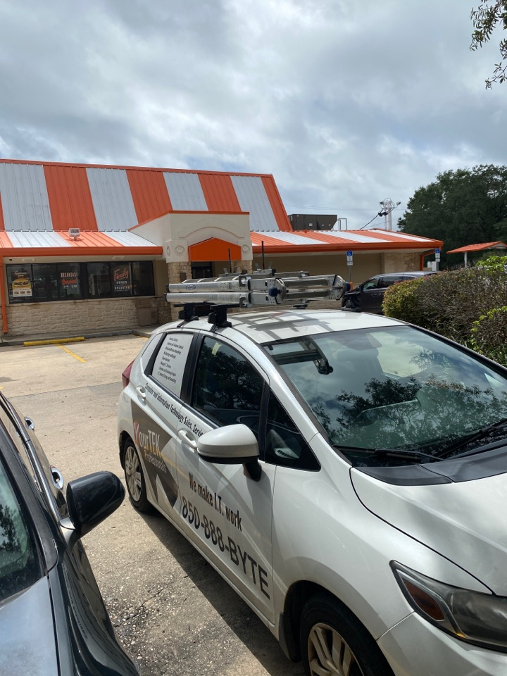 Here at this Whataburger in Fort Walton helping them get their order bump bars working…..also getting hungry…