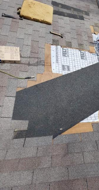 Powell, TN - We found a roof leak that started in the valley of the roof and then damaged other parts of the roof. Mobley Brothers Roofing and Renovation removed the damaged materials and installed GAF Storm Guard and Owens Corning Weathered Wood shingles.