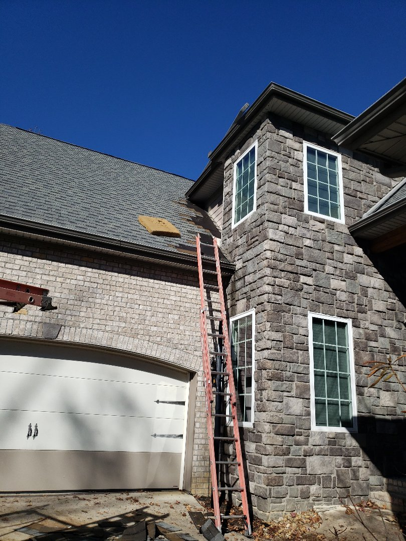 Loudon, TN - Mobley Brothers was called about a leak in a dining room window and ceiling of this beautiful home. We installed flashing and gray Owens Corning shingles to complete the roof repair. Our team does roof repairs like this one everyday.