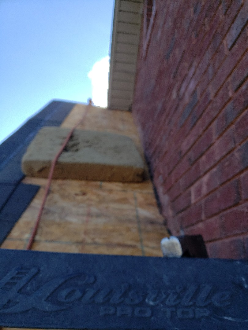 Powell, TN - As a roofing contractor we receive these kinds of calls all the time from homeowners. They have a roof leak on the eave on the second story this this brick home. We repaired the wall eye brow and installed dimensional shingles to complete the roof repair.