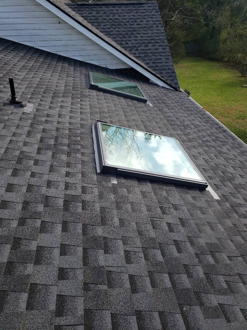 Clinton, TN -  Mobley Brothers Roofing is a licensed roofing contractor. We do a ton of roof repairs, gutter installs, skylight installations and new roof install.