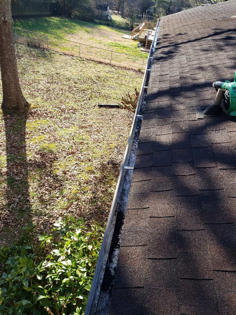 Knoxville, TN - We inspect the whole roof when we are called about a roof repair or roof replacement. As a GAF certified contractor you can trust Mobley Brothers to do the job right.
