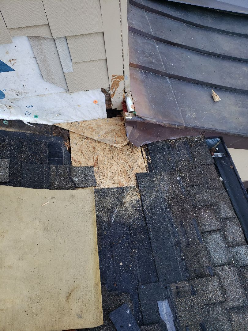 Knoxville, TN - The homeowner called us about several problems with their homes roof. Among other things, the gutters needed to be adjusted because water was running behind them.