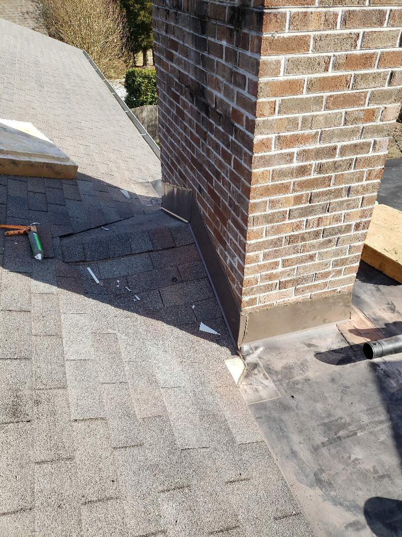 Knoxville, TN - This afternoon we repaired a leaking chimney.