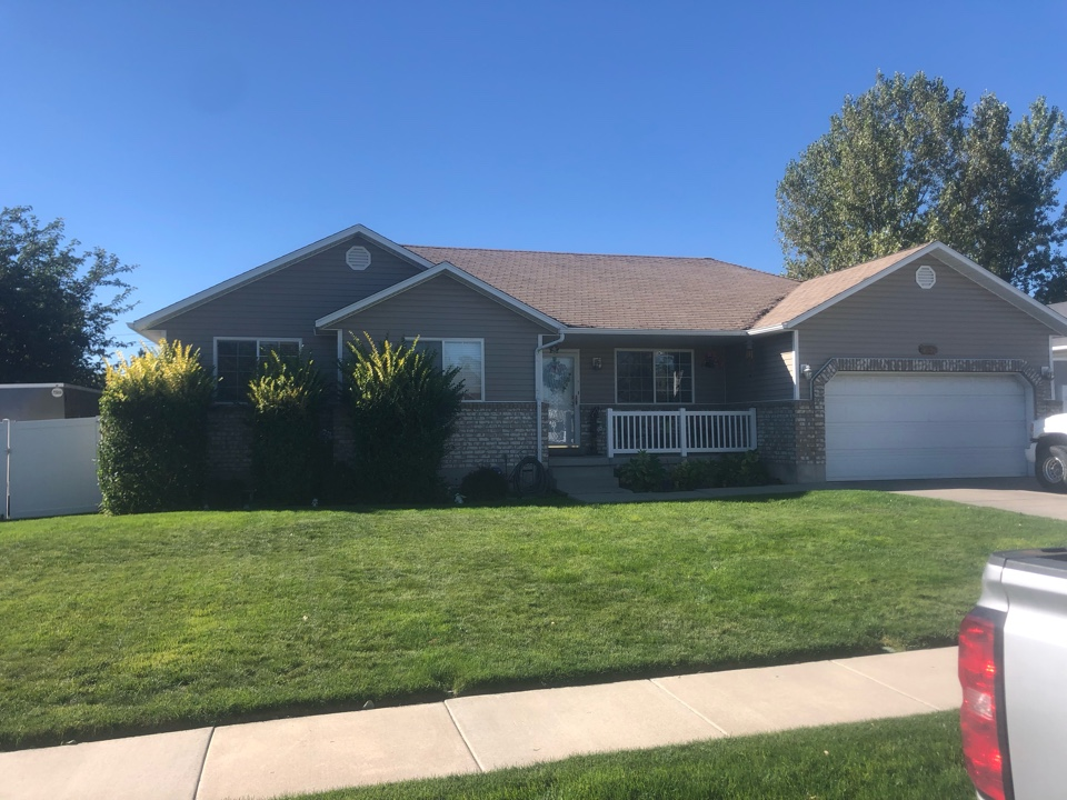 West Jordan, UT - Doing a roofing bid for a full tear off roof replacement. Taking old shingles off adding new shingles to the roof.