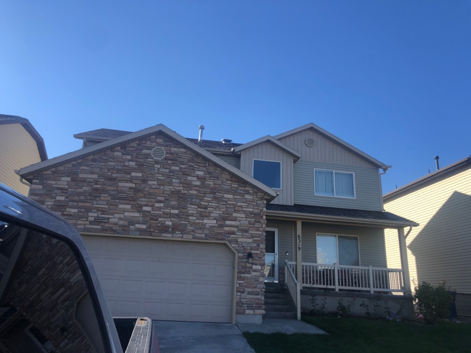 West Valley City, UT - Doing a roofing bid for a full tear off roof replacement. Taking old shingles off the roof adding new shingles to the roof