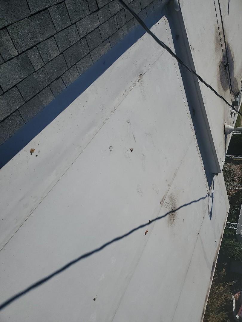 Clearfield, UT - Doin tpo and shingles repair!!