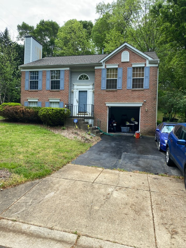 Upper Marlboro, MD - Water stains on living room roof. Roof repair