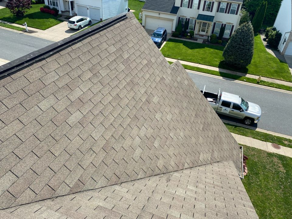 Abingdon, MD - Roof inspection of old 3-tab shingle. Storm and wind damage assessment on initial inspection. No damage to the shingles. Normal wear and tear.