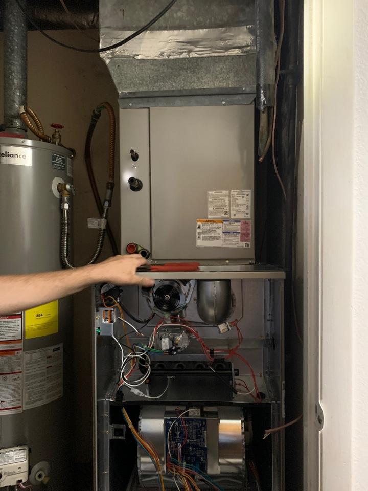 Plaquemine, LA - Installing new 3.5 ton carrier gas system in plaquemine Louisiana