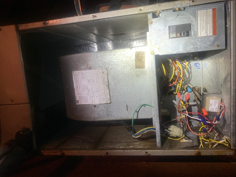 Denham Springs, LA - Replaced a faulty transformer due to water shorting it out while running