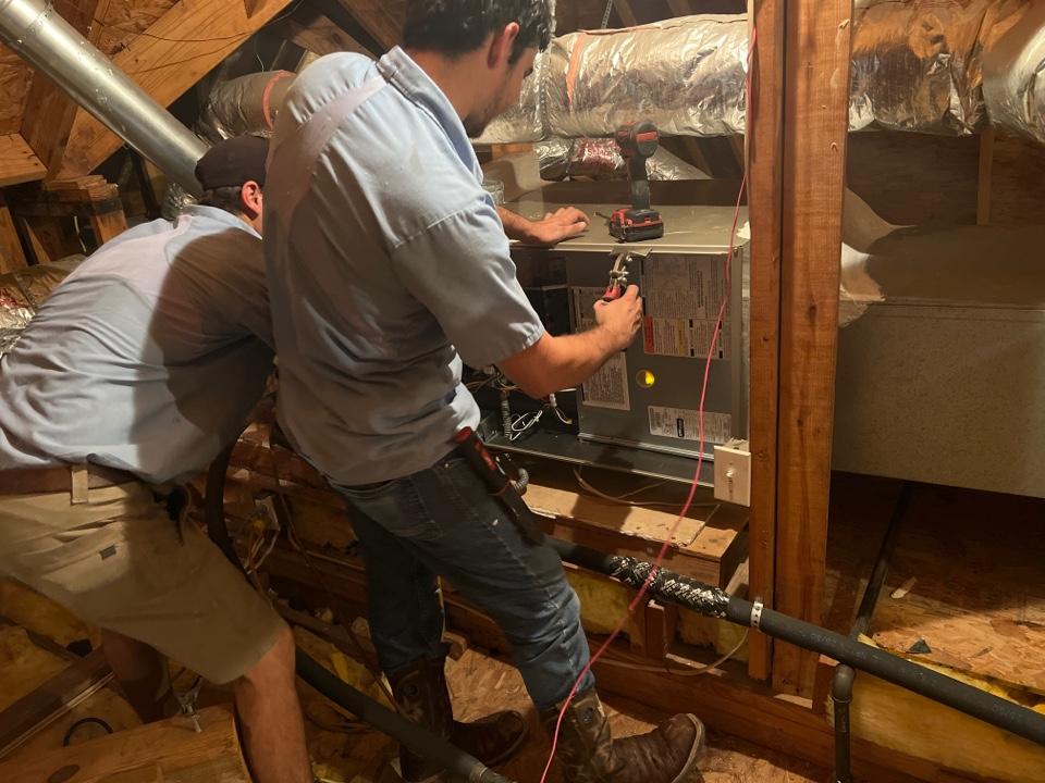 Baton Rouge, LA - Installing new hvac furnace